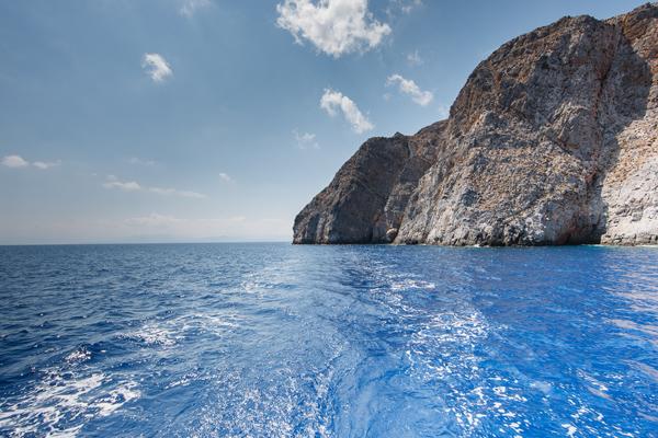 dia island sailing trips