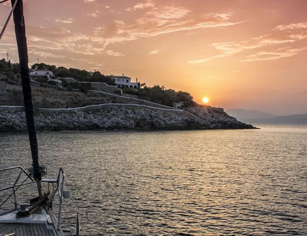 avanti sailing trips sunset