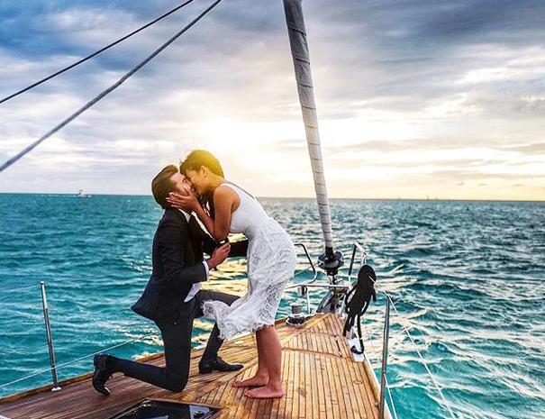 sailing trip crete couples